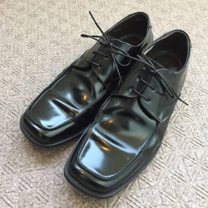 オフハウスで手に入れたUSED革靴を簡易メンテナンスでピカピカにしてみた