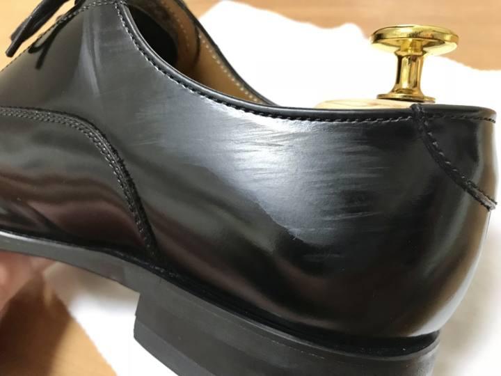 【超簡単】ガラスレザー革靴の「引っかき傷」を消す3段階の方法