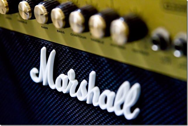ギター初心者向けロックギター練習曲を7曲をまとめる。異論は認める。
