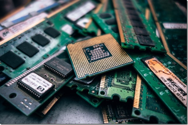 ASUS VivoBook E203Nのメモリ増設について【ヒント:空きスロット】