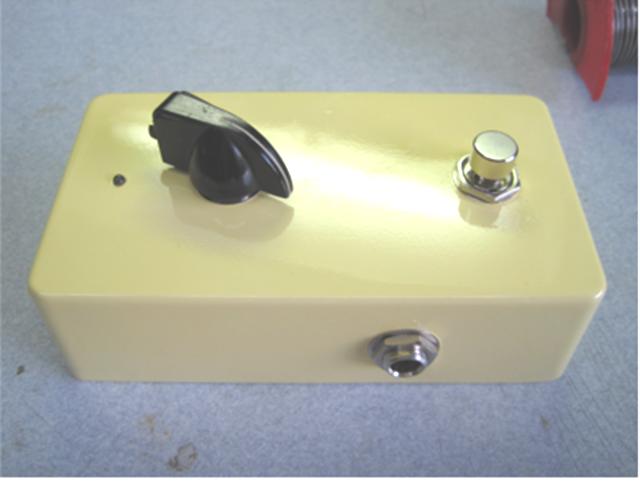 【自作エフェクター】ケースの塗装に挑戦!トレブルブースターの製作