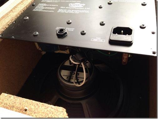【ギターアンプ分解】アンプの中が意外とシンプルだった件 VOX/AC4TV8